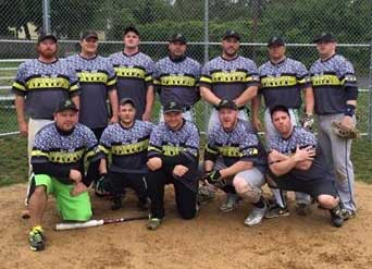 The Pine Hill Tavern 2016 Men's softball team wearing an Old School jersey designed by Team Sports Planet.